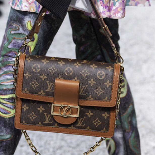 Химчистка брендовых сумок